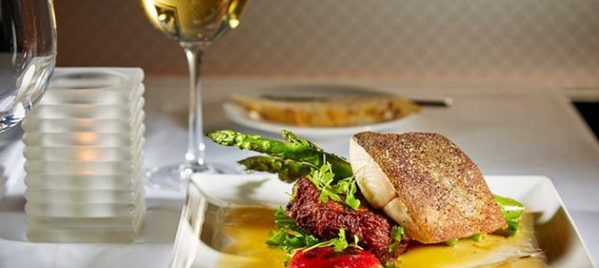 Qual vinho combina com peixe? Descubra as melhores harmonizações